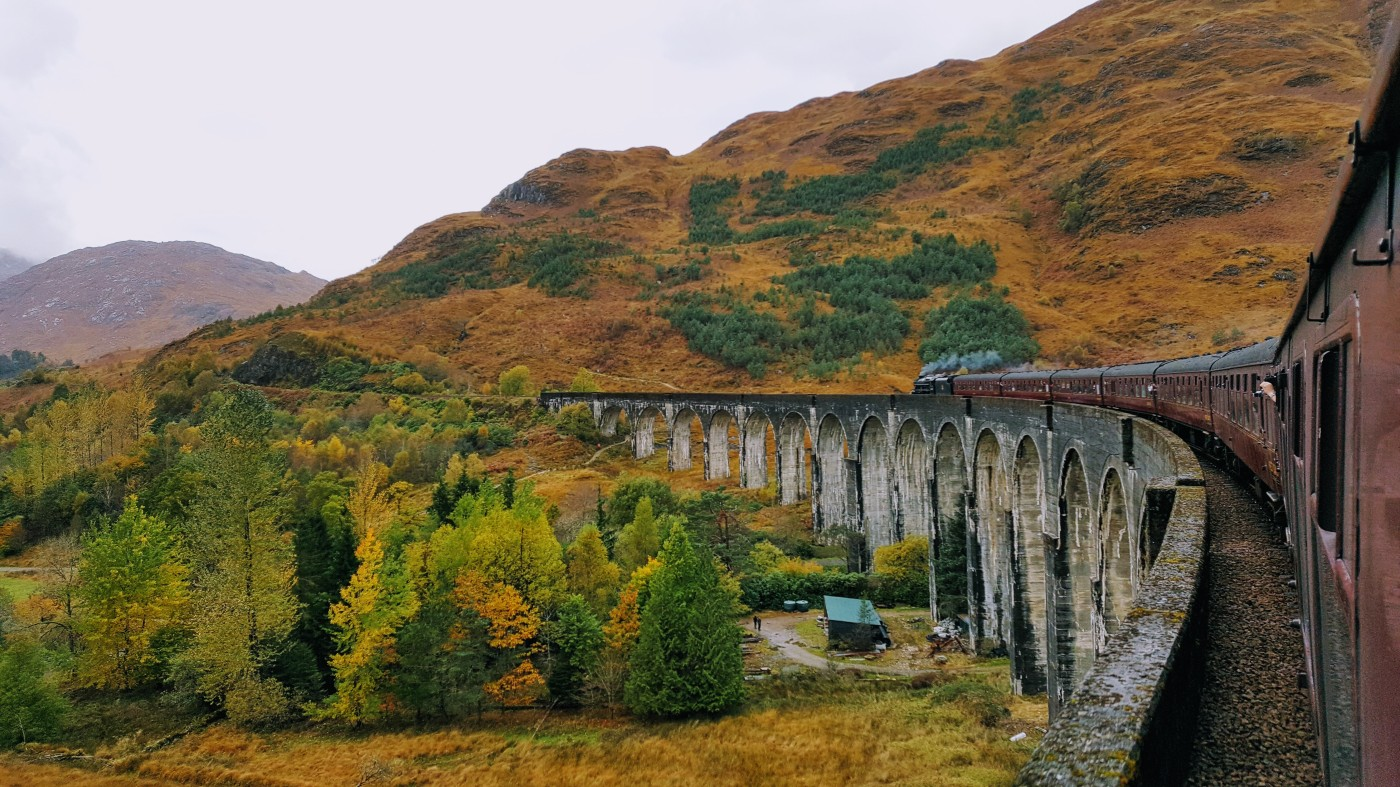 Mit dem Jacobite Steam Train über das Glenfinnan-Viadukt