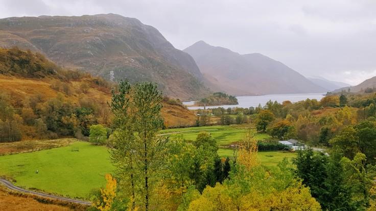 Blick auf Loch Shiel in Schottland